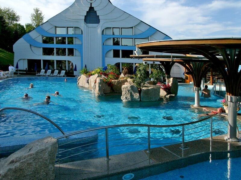 Hotel CARBONA - Balatonalmádi