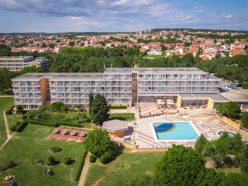 Hotel HOLIDAY - Njivice