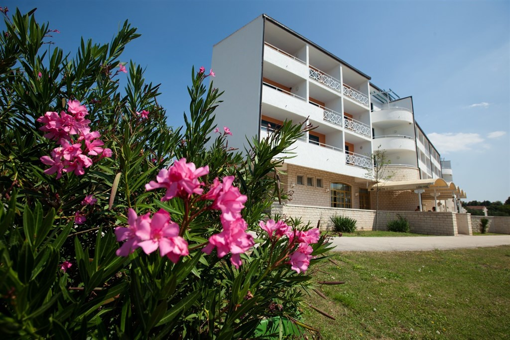 Hotel ALBA - Komarna