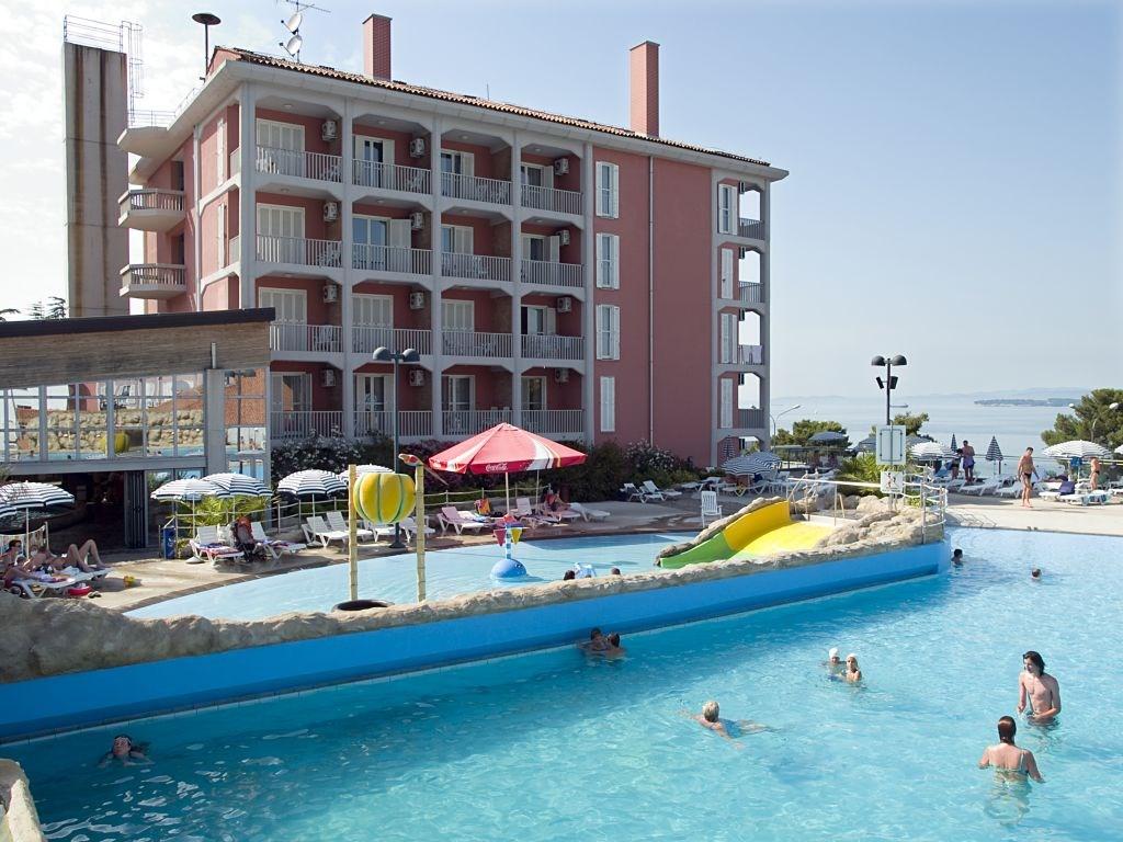 Hotel ŽUSTERNA - Brna