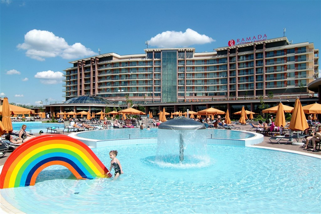Hotel AQUAWORLD RESORT BUDAPEST - Almyrida